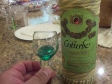 Centerbe - Particolare di bottiglia impagliata