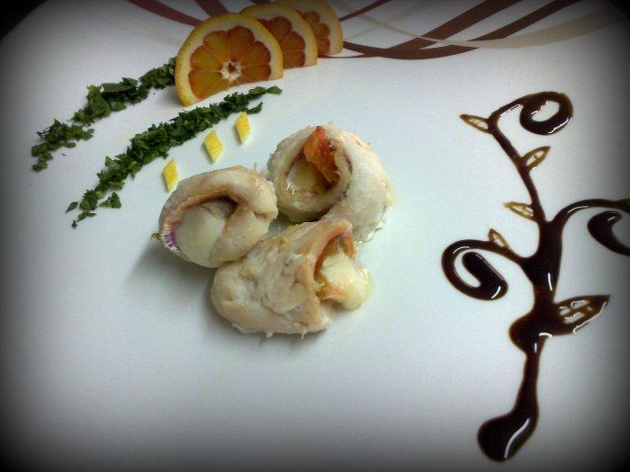Filetti di Triglie con cuore di provola e pomodoro Pachino