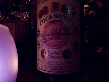 Coca Buton - Particolare