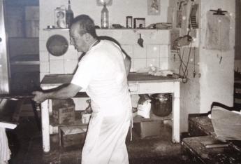 Pasticceria Gnesi Livorno, Renzo Gnesi al lavoro nel 1965