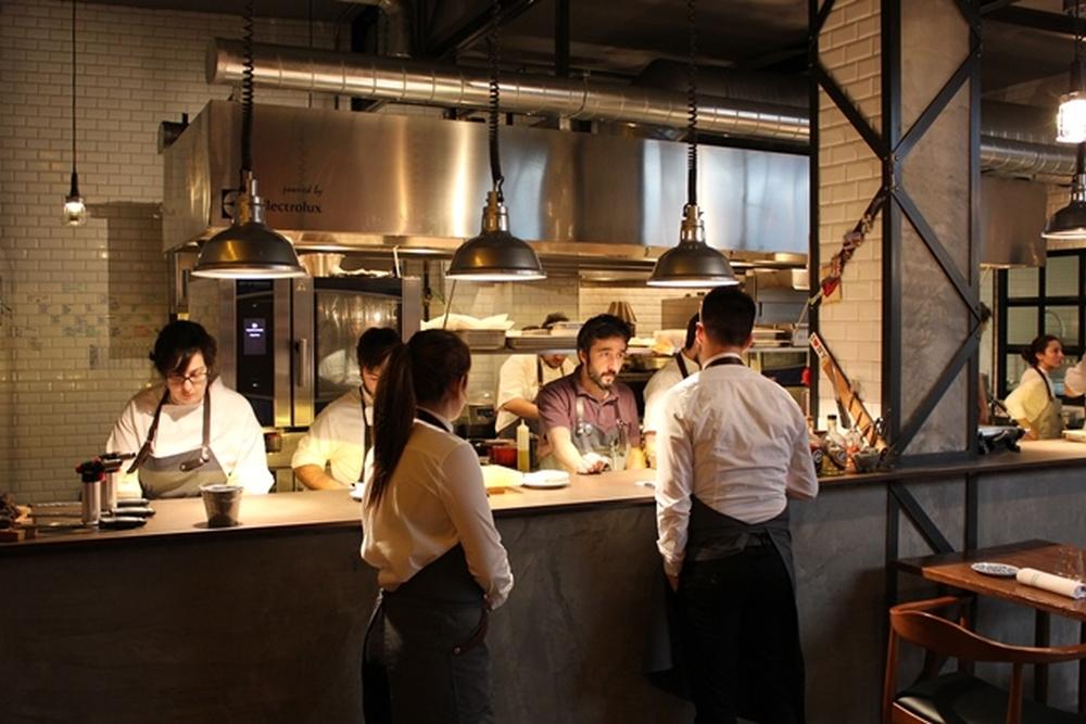 Chef italiani nel mondo gallery 0 4 margin for Bancone cucina