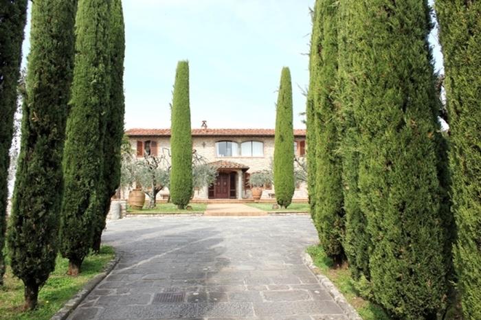 """La """"fattoria di montechiari"""" della famiglia Panattoni"""