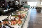 Pesce Baracca - Mercato e Cucina, il Bancone della Pescheria. Foto di Giorgio Dracopulos