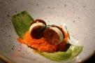 Restaurante Santceloni a Madrid in Spagna. Rotelle Croccanti Avena e Ginger. Foto di Giorgio Dracopulos Critico Gastronomico